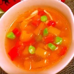 三色パプリカといんげんの韓国風春雨スープ