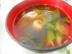 ちくわとチンゲン菜の中華風スープ
