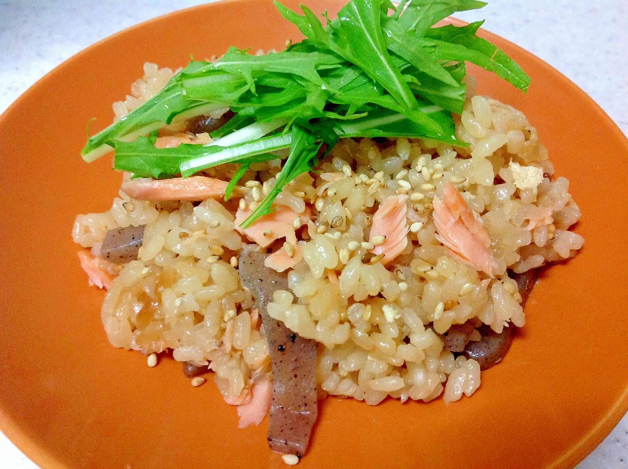 鮭×蒟蒻×油揚げの和風炊き込み御飯