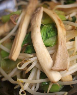 エリンギとちんげん菜の醤油野菜炒め