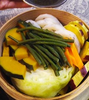 蒸し野菜の柚子胡椒ダレ添え
