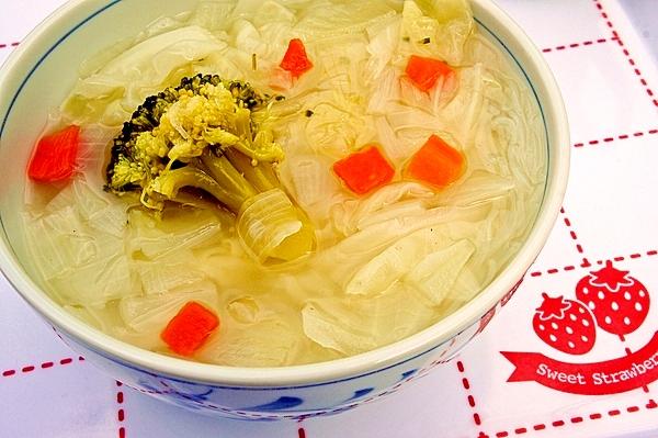 便秘解消&ダイエットに♪野菜たっぷり春雨スープ★