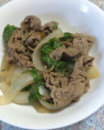 牛肉と玉ねぎの大葉が香る煮物