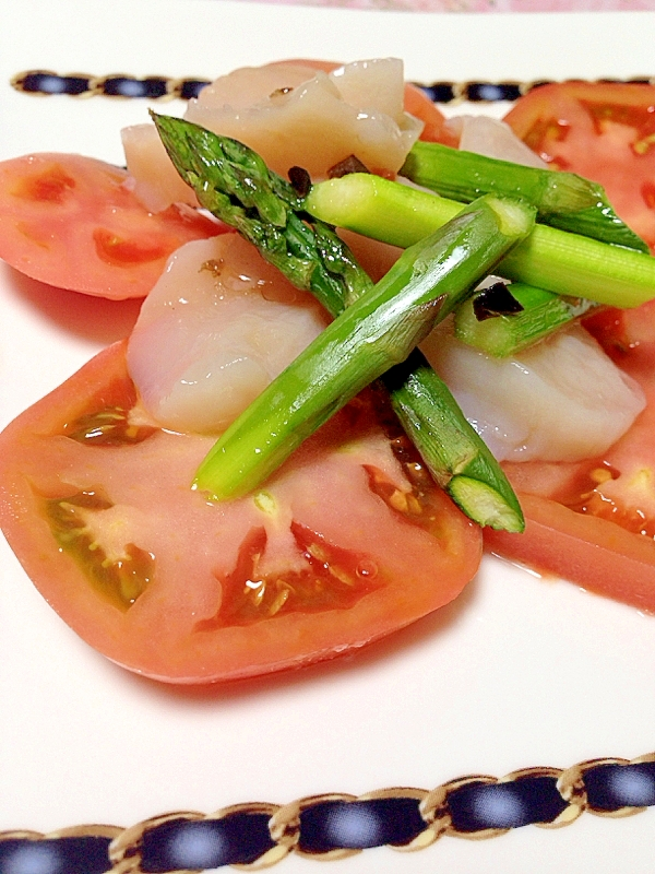1. トマトとホタテのカルパッチョ