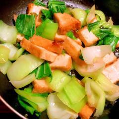 厚揚げと青梗菜のピリ辛中華炒め