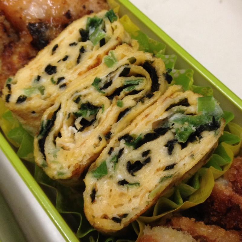 【お弁当】ネギと海苔を入れた卵焼き