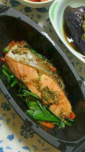 簡単!鮭のピリ辛ごま風味