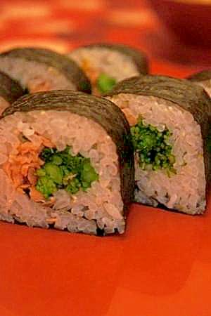 柚子香る鮭と菜の花の巻き寿司