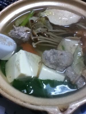 マグロのつみれの湯豆腐鍋