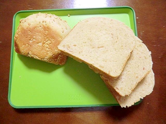 ホームベーカリーで、ピーナッツたっぷり食パン