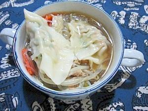 水餃子入り野菜スープ