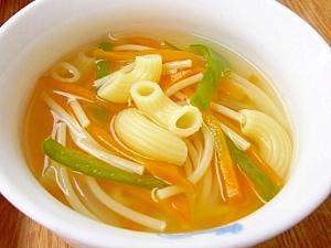 にんじんとピーマンのスープパスタ