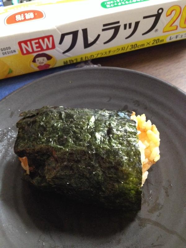炊き込みご飯のバター醤油おにぎり