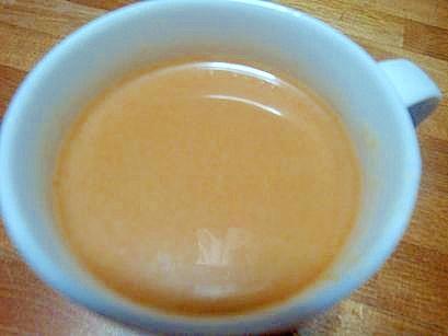 8. まろやか!アーモンドミルクとほうじ茶のホットドリンク