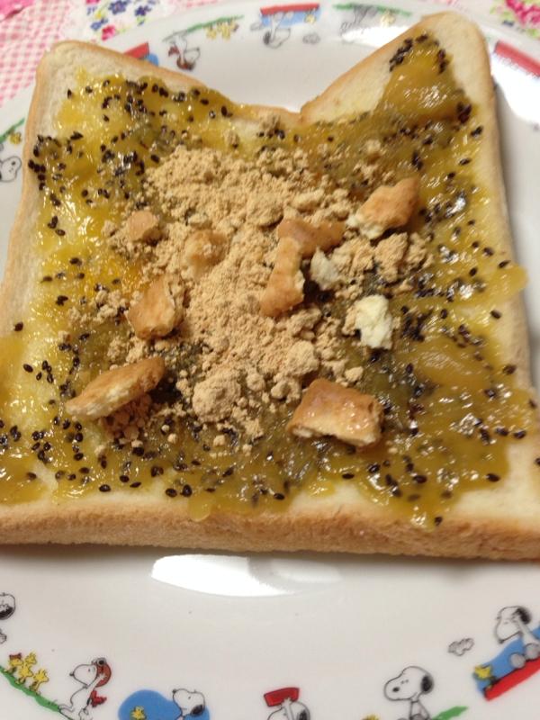 キウイジャムときな粉とビスケットのトースト