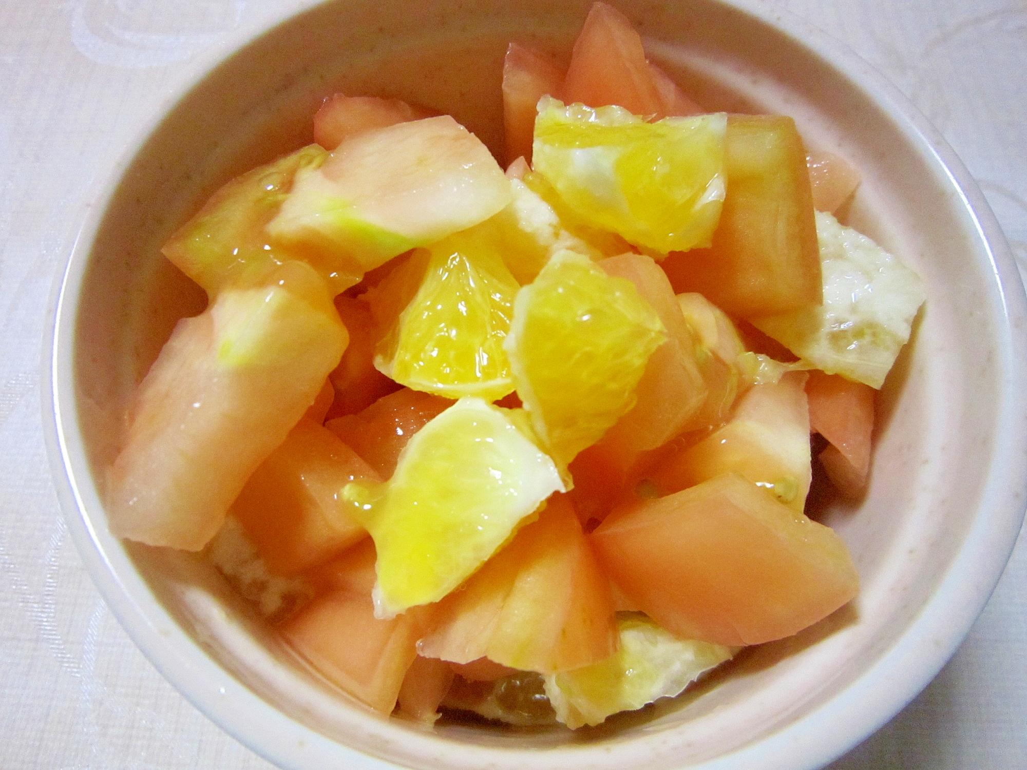 八朔とトマトのりんご酢和え