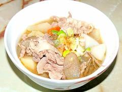 夏こそ熱い豚汁で!野菜たっぷり!豚コマ肉の豚汁♪