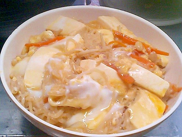 しらたきと豆腐で更にヘルシー&節約!えのき卵とじ丼