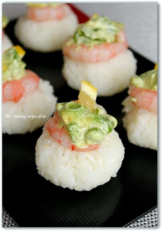 アボカドと甘エビのせ手まり寿司
