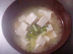 にんにくの芽とお豆腐の味噌汁☆
