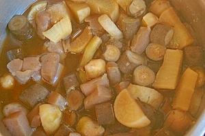 正月用の根菜の煮物