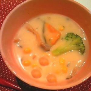 豆乳で♪チーズ風味のカレースープ