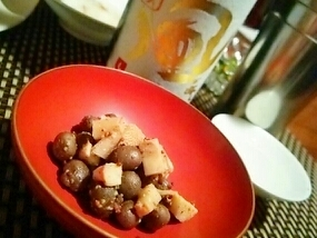 家バル、タケノコとむかごのスモークサラダ