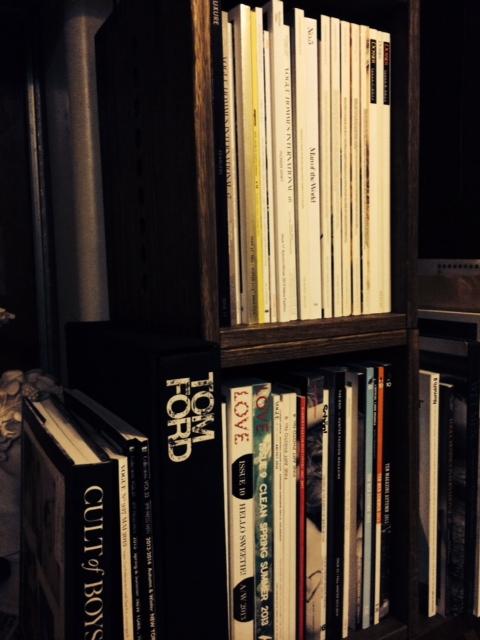 【雑誌の整理に】 mboxを雑誌収納用に購入。出窓の下に、ずらーっと並べたいです。文庫本サイズの奥行きの展開がほしいなー。既存のタイプだと、後ろが見えなくなっちゃうんで。【子供部屋 無垢 木製 収納 ラック キューブ カラーボックス 本棚 絵本 おもちゃ 収納 図鑑 大型本】