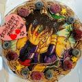 「【人気商品!!】 お好きなキャラクターや絵柄を手書きしたチョコプレートを飾るホールケーキです。4号〜7号までご用意しました!うさぎのマカロンが可愛い♪オーダーメイドケーキ「キャラクターケーキ5号」/デコレーションケーキ/誕生日ケーキ/キャラクターケーキ/ギフト/イラスト/」の商品レビュー詳細を見る