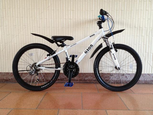 【楽天市場】 2016 Gios ジオス Genova ジェノア 22 Gios Blue 子供用 自転車 22