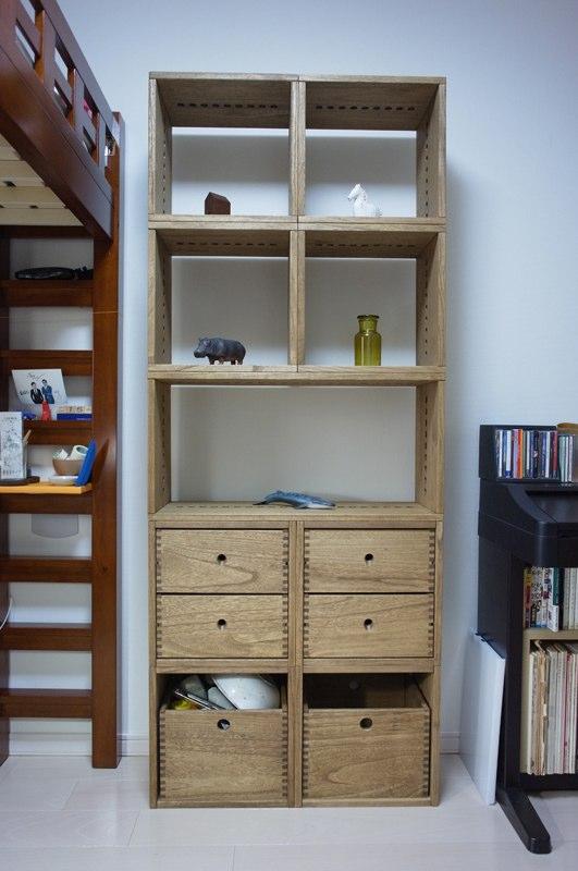 【イイです】 作りもしっかりしているし、質感もほぼ思っていた通りだったので、たいへん満足しています。【子供部屋 無垢 木製 収納 ラック キューブ カラーボックス 本棚 絵本 おもちゃ 収納 図鑑 大型本】