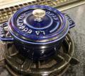 「ストウブ STAUB ピコ ココット ラウンド 10cm グランブルー(ダークブルー) ホーロー 鍋 COCOTTE ROUND ギフト・のし可」の商品レビュー詳細を見る