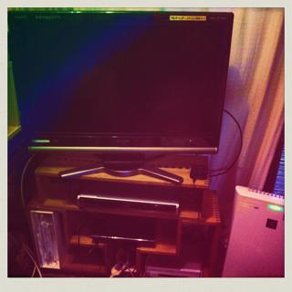 【テレビ台】 アングルBOXと組み合わせて、テレビ台にしました。PS3やレコーダーなどすっきり収まっていい感じです。【子供部屋 無垢 木製 収納 ラック キューブ カラーボックス 本棚 絵本 おもちゃ 収納 図鑑 大型本】