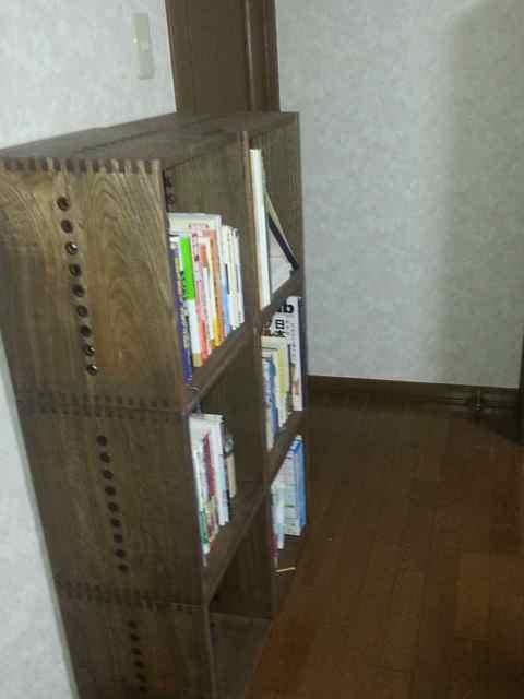 【久々に購入しました2】 先週に続き追加購入しました。2列になると安定感と雰囲気が出ます。【子供部屋 無垢 木製 収納 ラック キューブ カラーボックス 本棚 絵本 おもちゃ 収納 図鑑 大型本】