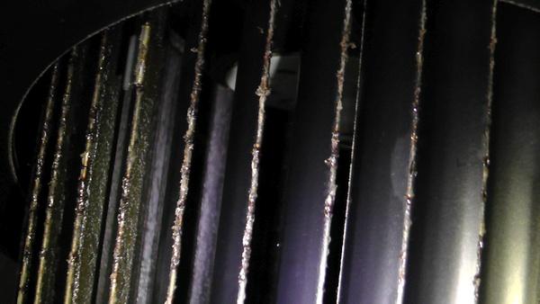 シロッコファンのフィンの汚れ具合