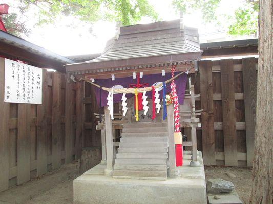 パワースポット 座敷わらし 亀麿神社2