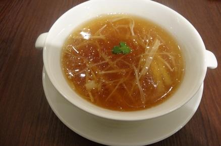黄ニラ入りふかひれスープ (1).JPG