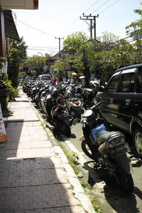 バイク駐車.jpg