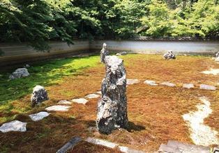真長寺の石庭.JPG