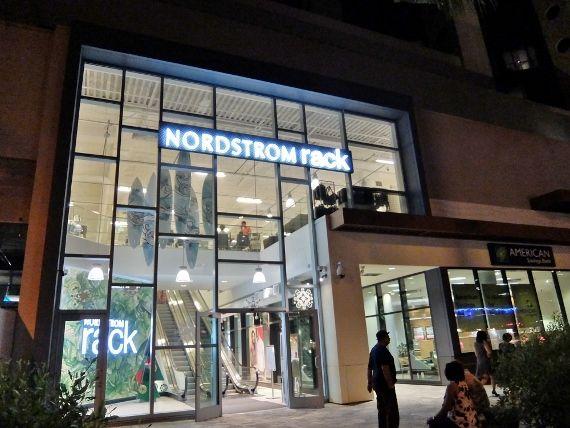 ノードストロームラック(Nordstrom Rack) ハワイ ワイキキ Hawaii