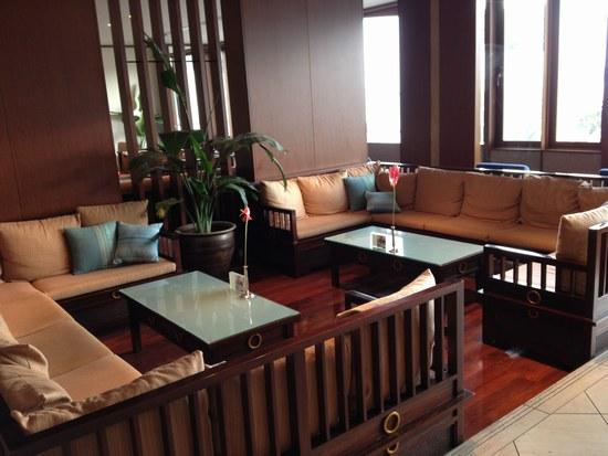 4朝 ホテル ラウンジ5501.jpg