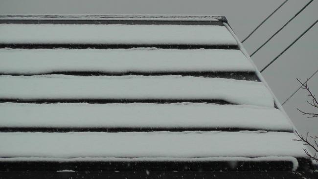 太陽光発電パネル上の積雪