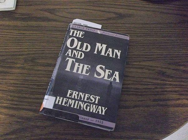 と 老人 ヘミング 海 ウェイ