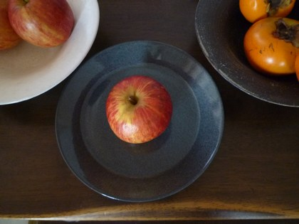 1果物 柿と林檎 ティーマ4420.jpg