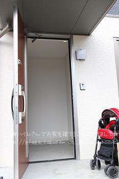 玄関ポーチのコピー.jpg