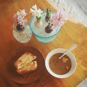 カレースープとヒヤシンス