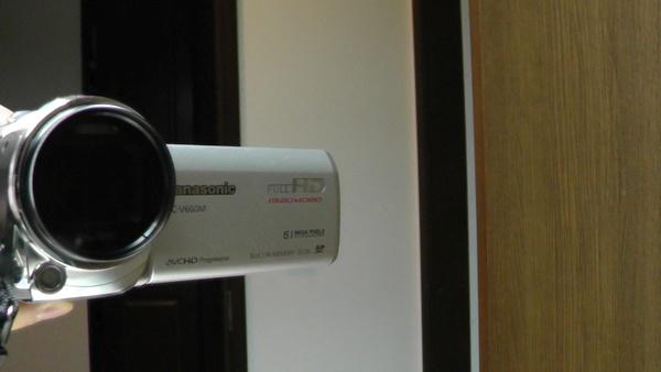 偏光フィルターを付けた後のビデオカメラ
