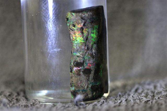 珪化木オパール