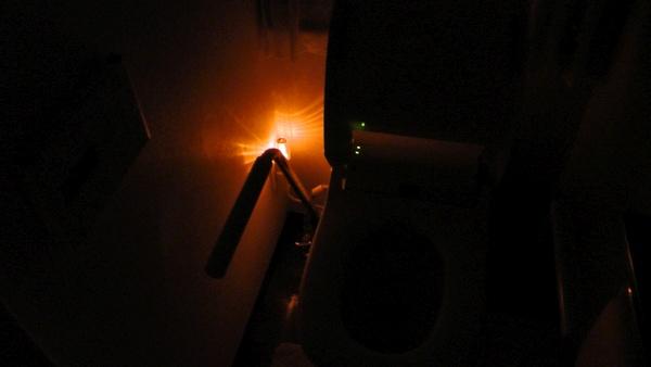 2階トイレに常夜灯 ナイトライト NL30AM アンバー