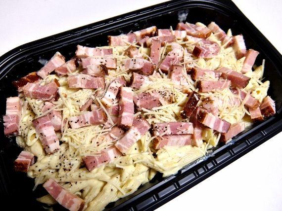 コストコ スモークベーコンカルボナーラ 1,180円也  デリ Smoked Bacon Carbonara ブログ